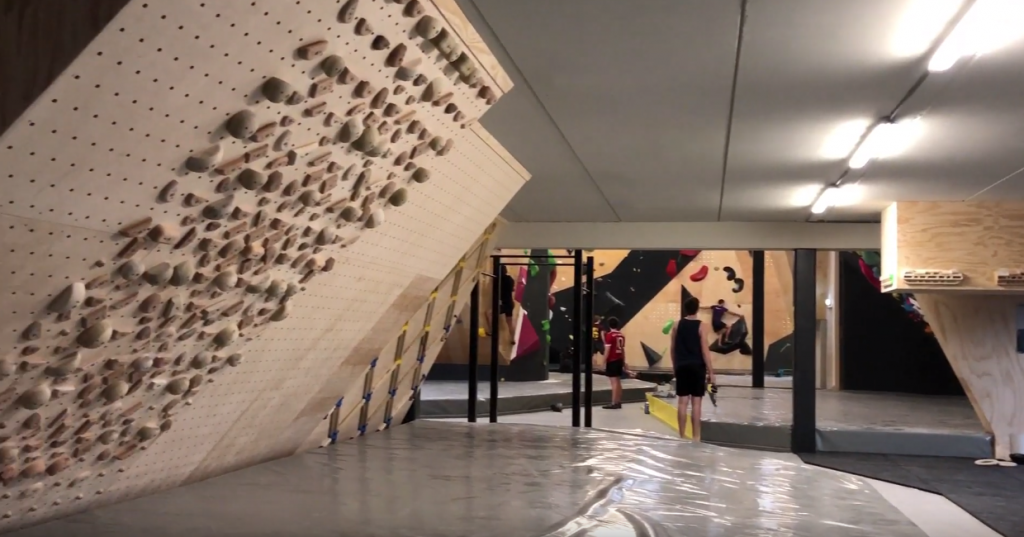 revolt bouldering trainings ruimte
