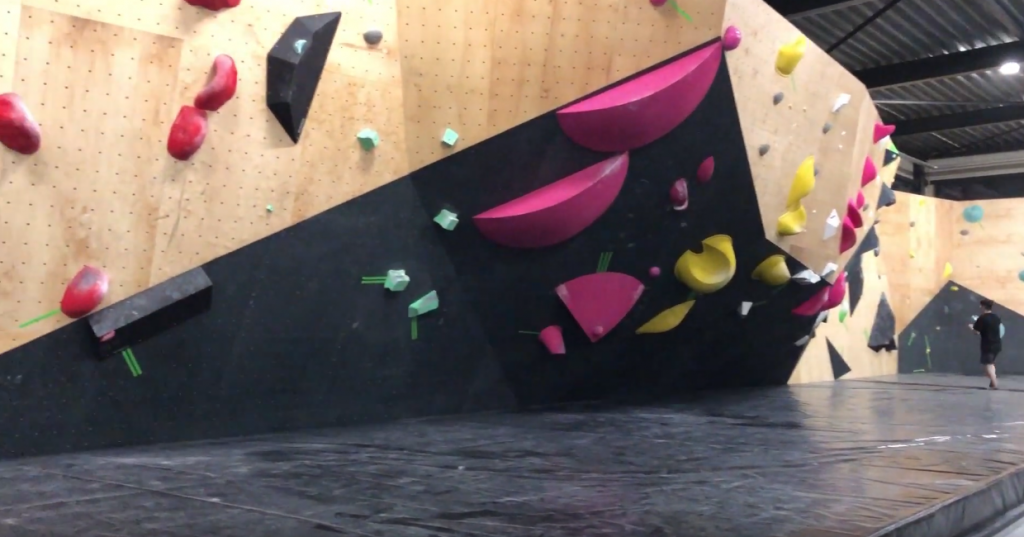 revolt bouldering competitie wand